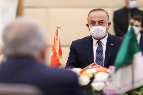 Rusia y Turquía abordan la situación en Afganistán