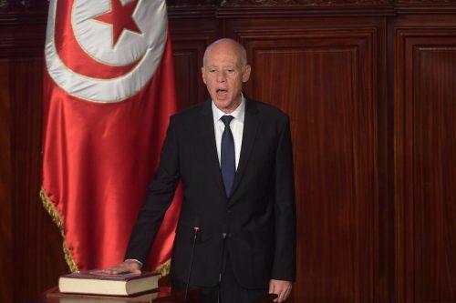 El presidente de Túnez destituye a 30 funcionarios en 10…