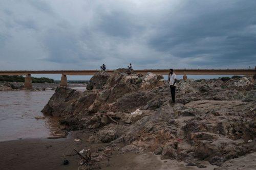 Decenas de cadáveres aparecen flotando en un río entre Sudán…