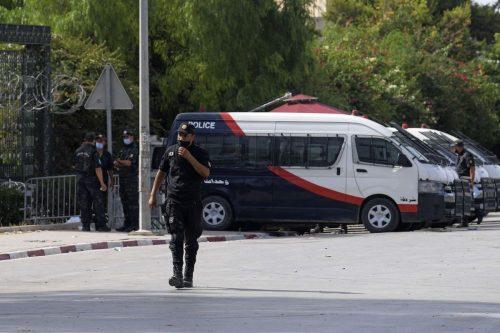 Túnez: 14 funcionarios detenidos por presunta corrupción en el sector…