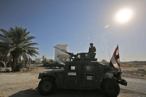 Militantes del Daesh atacan un yacimiento petrolífero en la ciudad…