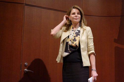 La reina Noor de Jordania difunde un artículo en el…