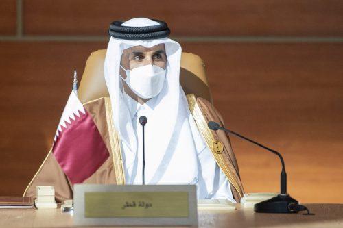 El Emir de Qatar insta a la comunidad internacional a…