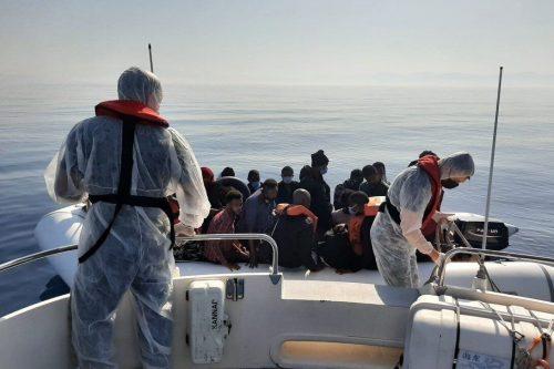 120 solicitantes de asilo rescatados frente a la costa occidental…