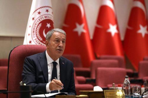 El ministro de Defensa turco promete vengar a los soldados…