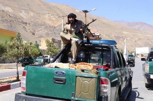 Irán condena por primera vez a los talibanes por la…