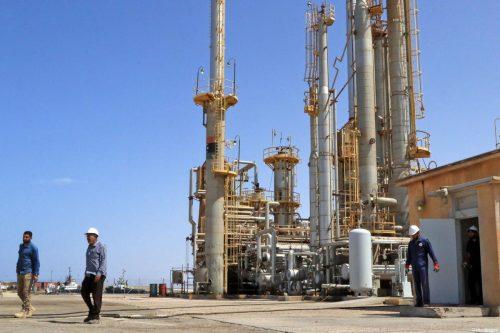 Libia: la población local bloquea las exportaciones de petróleo
