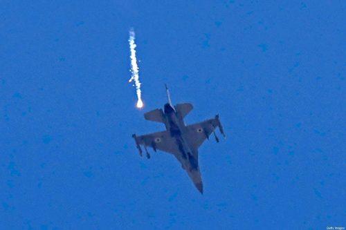Israel ataca Gaza en represalia por los disparos de cohetes…