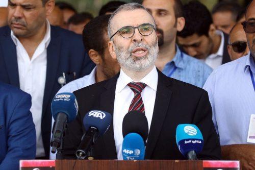 El ministro de Petróleo de Libia vuelve a suspender al…