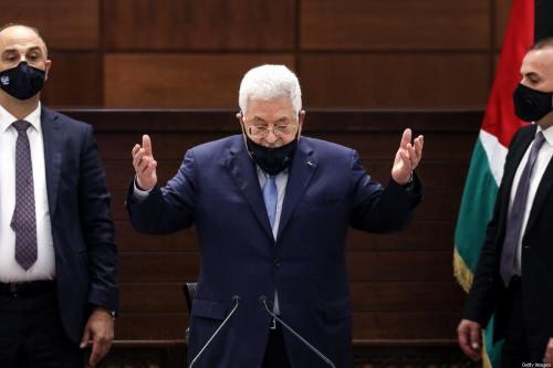 El espectáculo teatral de Abbas continúa