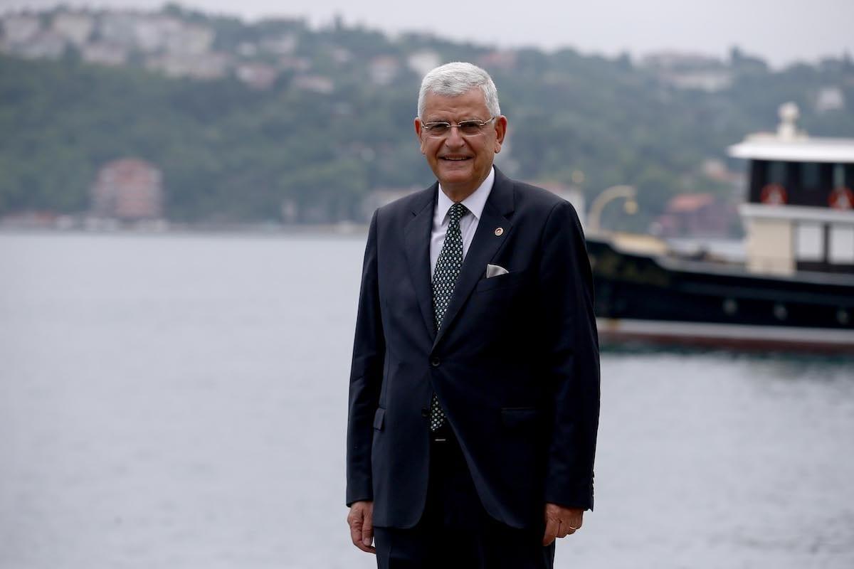 O recém-eleito Presiderte da Assembléia Geral das Nações Unidas, Volkan Bozkir, posa para uma foto durante uma entrevista exclusiva em Istambul, Turquia, em 18 de junho de 2020. [Onur Çoban - Agência Anadolu]