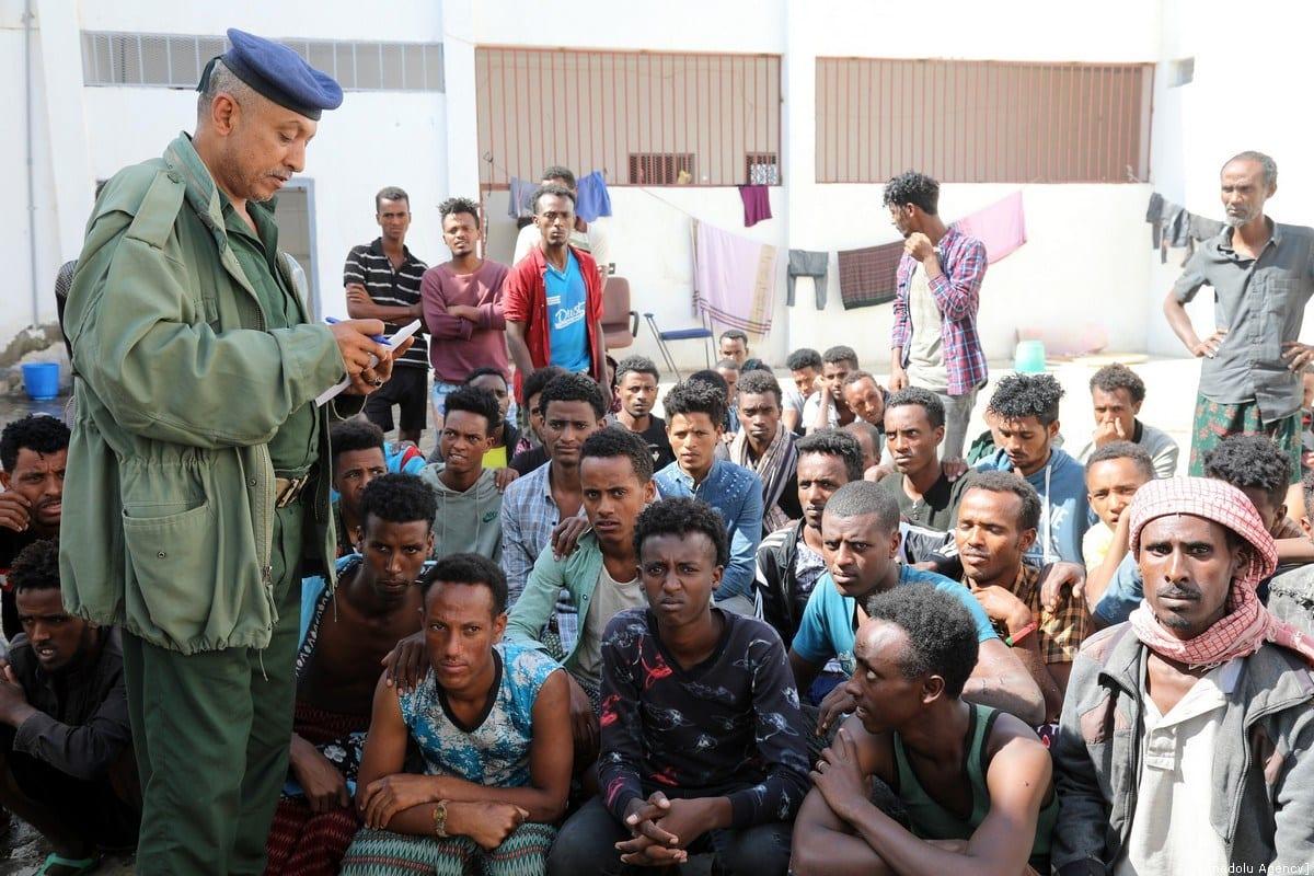 MigraMigrantes africanos irregulares são vistos em uma prisão em Taizz, Iêmen, em 25 de dezembro de 2019. [Abdulnaser Alseddik/Agência Anadolu]ntes africanos irregulares são vistos em uma prisão em Taizz, Iêmen, em 25 de dezembro de 2019. [Abdulnaser Alseddik/Agência Anadolu]