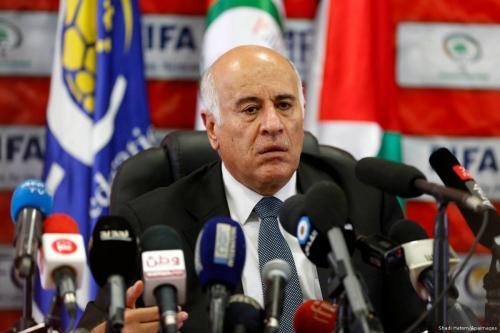 Secretário-geral do Comitê Central do Fatah (CCF) e presidente da Associação Palestina de Futebol (APF), Jibril Rajoub [Shadi Hatem/Apaimages]