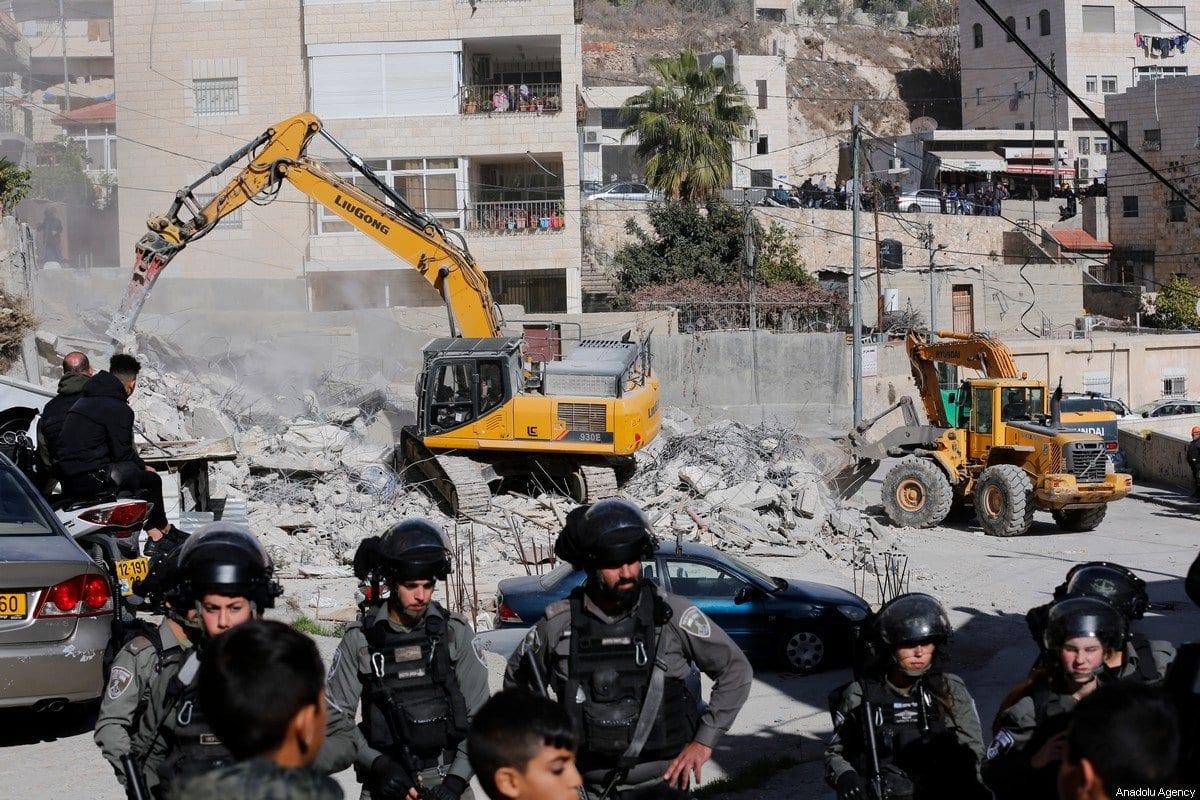 Demolição de uma residência palestina, em Jerusalém, 24 de dezembro de 2019 [Mostafa Alkharouf/Agência Anadolu]