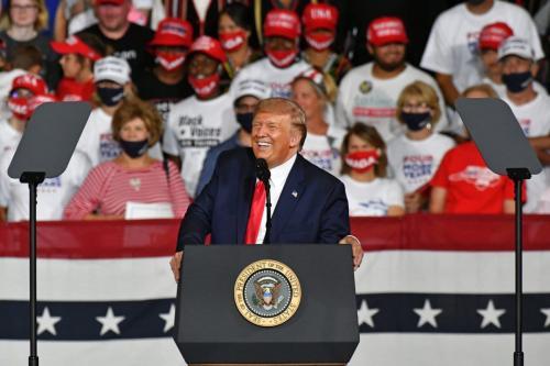 Presidente dos Estados Unidos Donald Trump durante comício eleitoral em Winston-Salem, Carolina do Norte, Estados Unidos, 8 de setembro de 2020 [Peter Zay/Agência Anadolu]