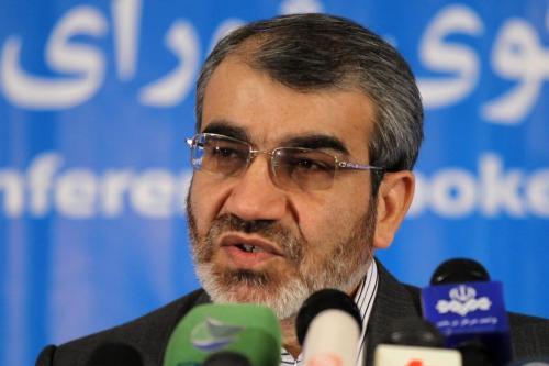 O porta-voz do Conselho de Guardiões do Irã, Abbas Ali Kadkhodaei, durante uma coletiva de imprensa em Teerã, em 1º de março de 2012. [Atta Kenare/ AFP/ GettyImages]