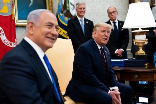 Presidente dos Estados Unidos Donald Trump e Primeiro-Ministro de Israel Benjamin Netanyahu na Casa Branca, em Washington, 15 de setembro de 2020 [Doug Mills/Pool/Getty Images]