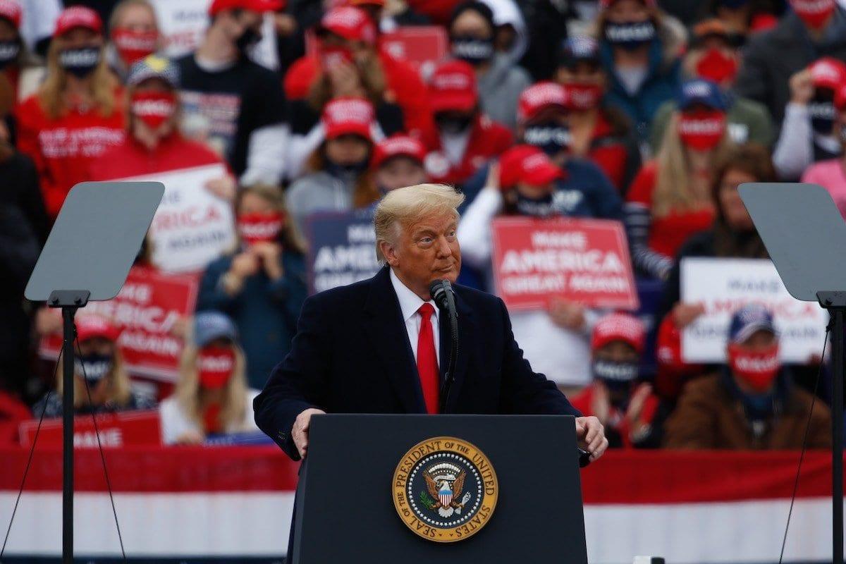 EUA. O presidente Donald J. Trump organiza um comício de campanha no aeroporto Lancaster em Lititz, Pensilvânia, em 26 de outubro de 2020 [Tayfun Coşkun - Agência Anadolu]