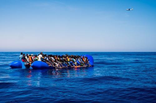 Refugiados são vistos após serem resgatados do Mar Mediterrâneo em 15 de junho de 2017 [Agência Marcus Drinkwater / Anadolu]