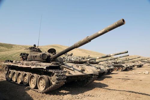Veículos militares armênios capturados pelo exército do Azerbaijão em 21 de outubro de 2020 [Ministério da Defesa do Azerbaijão/ Agência Anadolu]