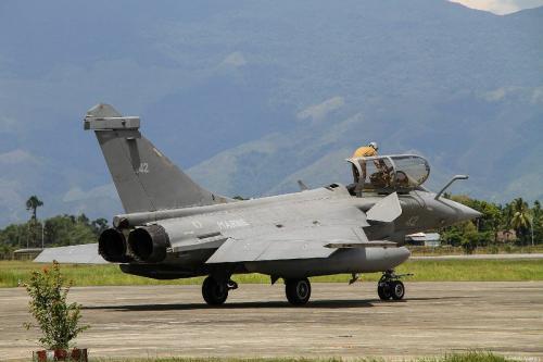 Aeronave combatente Rafale, da Marinha da França, pousa na Base Aérea Sultan Iskandar Muda, em Aceh, Indonésia, 19 de maio de 2019 [Khalis Surry/Agência Anadolu]