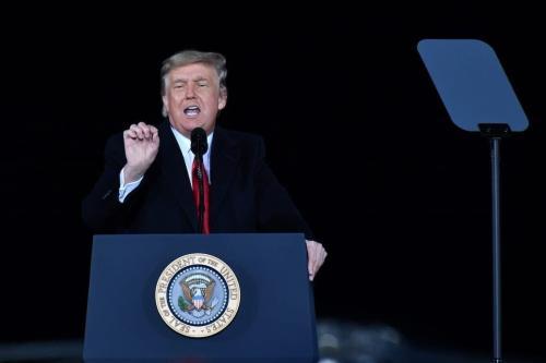 Presidente dos Estados Unidos Donald Trump discursa durante em comício no Comitê Nacional Republicano, em Dalton, Geórgia, Estados Unidos, 4 de janeiro de 2021 [Peter Zay/Agência Anadolu]