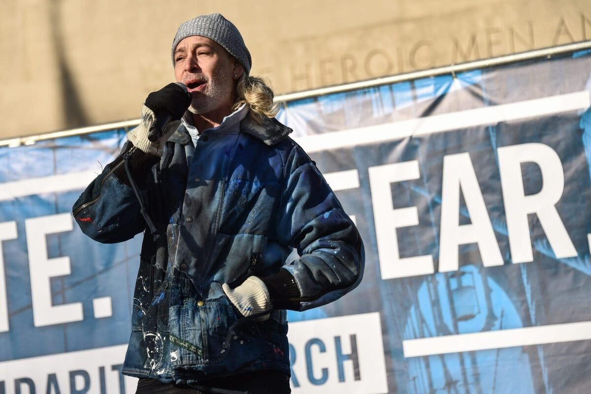 Matisyahu se apresenta na NYC Jewish Solidarity March, em 05 de janeiro de 2020, na cidade de Nova Iorque. [Steven Ferdman/Getty Images]