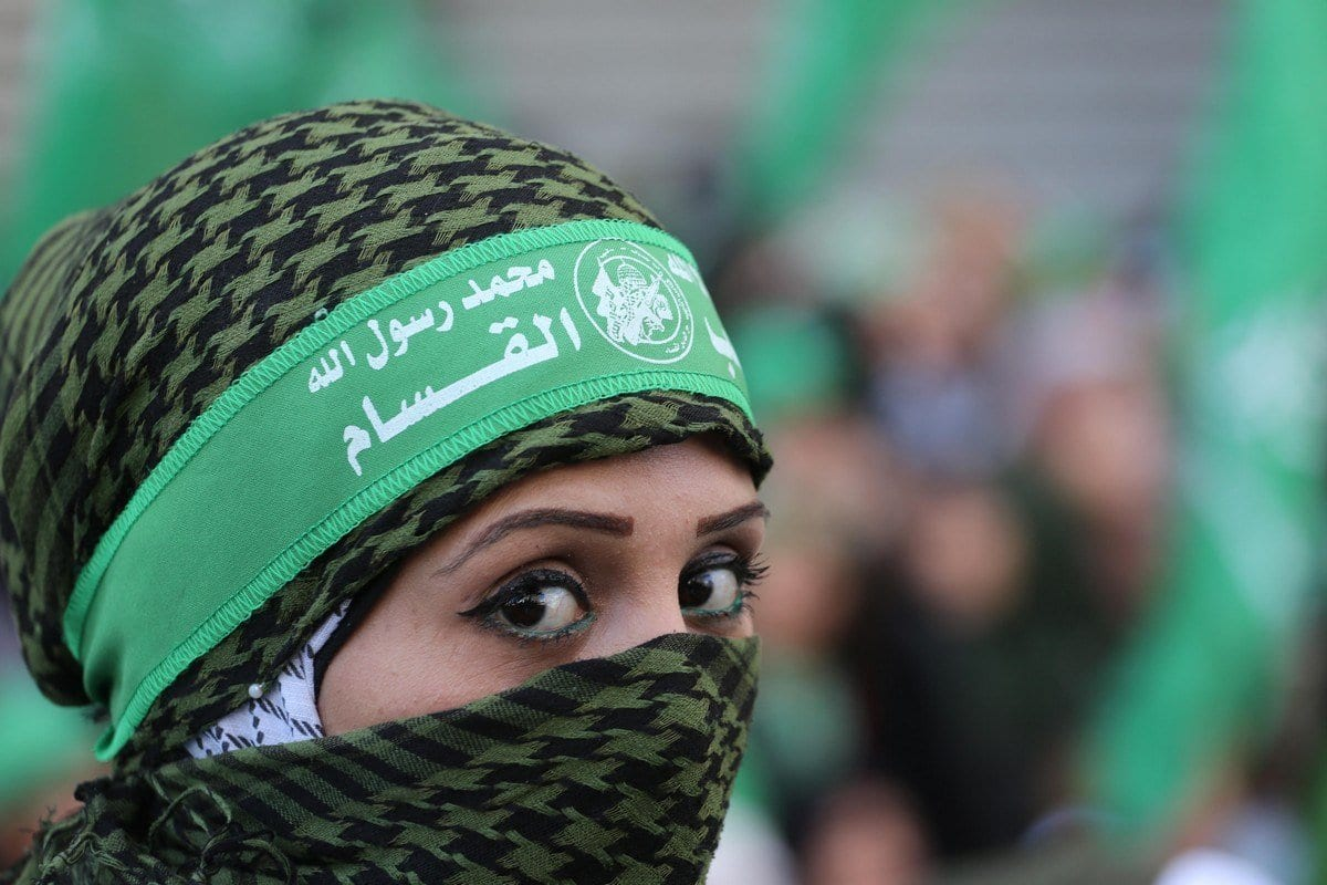 Palestinos se reúnem para comemorar o aniversário do Hamas, em Gaza, em 16 de dezembro de 2019. [Mohammed Asad/Monitor do Oriente Médio]