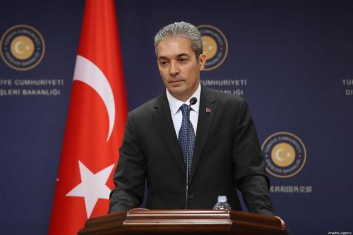 O porta-voz do Ministério das Relações Exteriores da Turquia, Hami Aksoy, em Ancara, Turquia, em 2 de agosto de 2019. [Fatih Aktaş/Agência Anadolu]