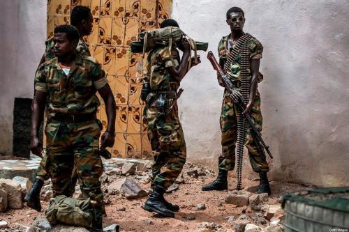 Grupo de soldados etíopes, parte da missão de paz da União Africana, patrulha a região de Beledweyne, na Somália, em 14 de dezembro de 2019 [Luis Tato/AFP via Getty Images]