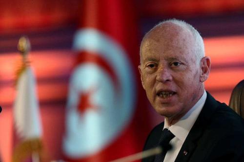 Presidente da Tunísia Kais Saied discursa sobre lei constitucional durante visita ao Catar, em evento sediado pela Universidade Lusail, em 16 de novembro de 2020 [Karim Jaafar/AFP via Getty Images]
