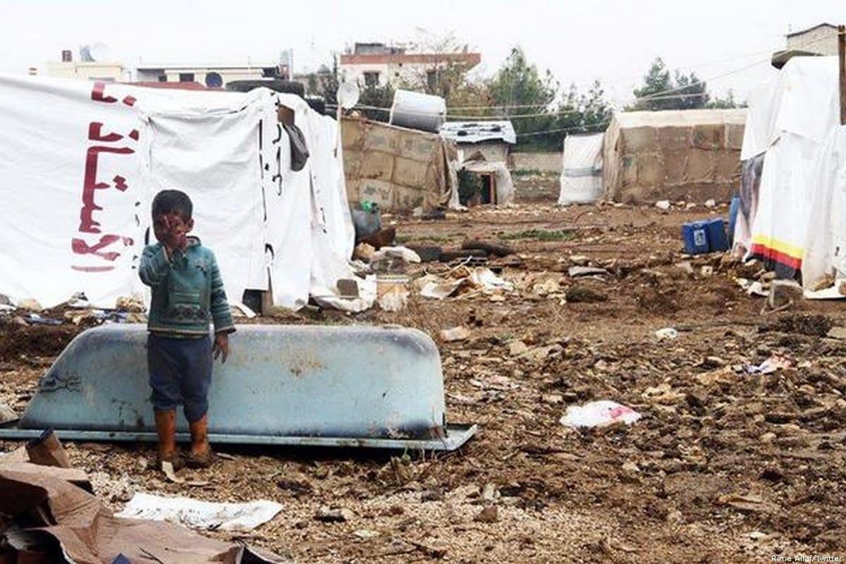 Criança síria em um campo de refugiados em Beirute, Líbano, 8 de março de 2013 [Rime Allaf/Twitter]