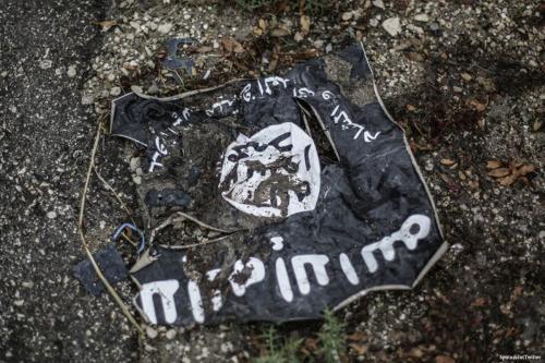 Bandeira Daesh [SpuntnikInt/Twitter]