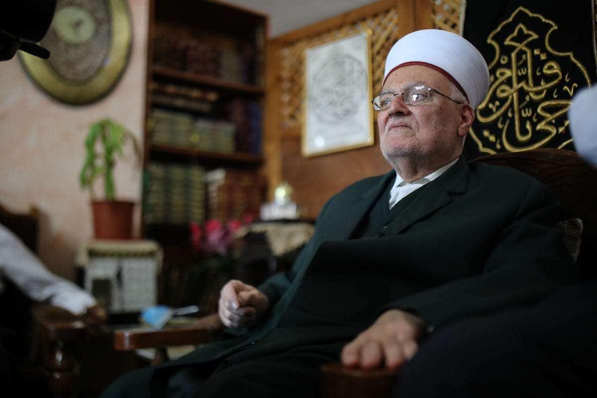 Ekrima Sabri, grão-imã da Mesquita de Al-Aqsa, em sua casa no bairro de al-Suvvane, em Jerusalém ocupada, 3 de junho de 2020 [Mostafa Alkharouf/Agência Anadolu]