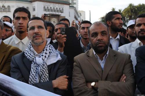 Fathallah Arsalane (à direita), porta-voz do Partido Justiça e Caridade, e Saadeddine El Othmani (à esquerda), secretário-geral do Partido Justiça e Desenvolvimento, durante ato para marcar o 60° aniversário da Nakba (catástrofe palestina), em Rabat, Marrocos, 15 de maio de 2008 [Abdelhak Senna/AFP via Getty Images]