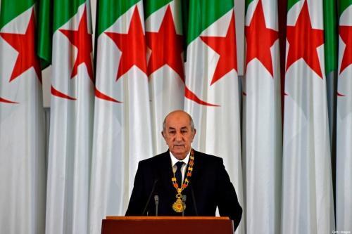O presidente argelino, Abdelmadjid Tebboune, discursa durante a cerimônia de posse formal na capital, Argel, em 19 de dezembro de 2019. [Ryad Kramdi/AFP via Getty Images]