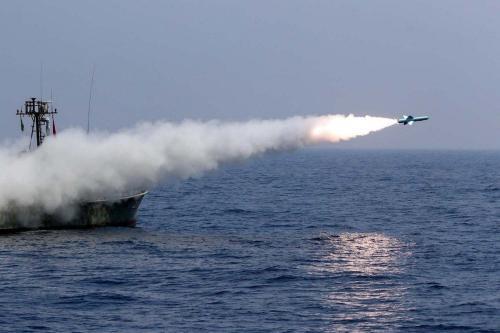 Exercício militar naval no Golfo de Omã, em 11 de setembro de 2020 [Exército do Irã/AFP/Getty Images]