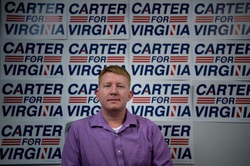 Lee Carter, membro da Câmara dos Delegados da Virgínia em 9 de novembro de 2017 [Brendan Smialowski/ AFP / Getty Images]
