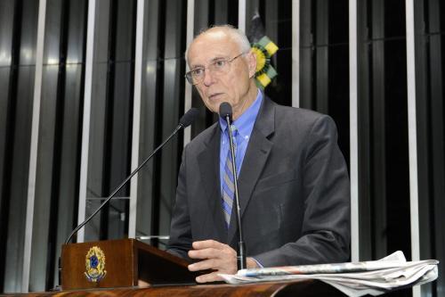 Eduardo Suplicy em discurso no Senado Federal [Foto: Waldemir Barreto/ Agência Senado]