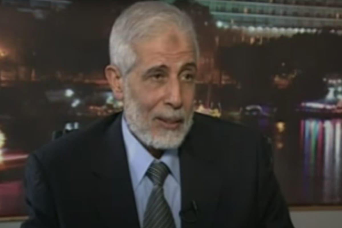 Mahmoud Ezzat, coordenador em exercício da Irmandade Muçumana [YouTube/Aljazeera]