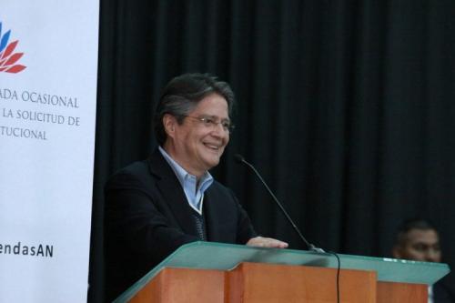 O banqueiro de ultra-direita, Guilherme Lesso vence as eleições no Equador [Foto Flikr]