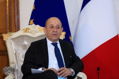 Ministro de Relações Exteriores da França Jean-Yves Le Drian em Bagdá, Iraque, 16 de julho de 2020 [Murtadha Al-Sudani/Agência Anadolu]
