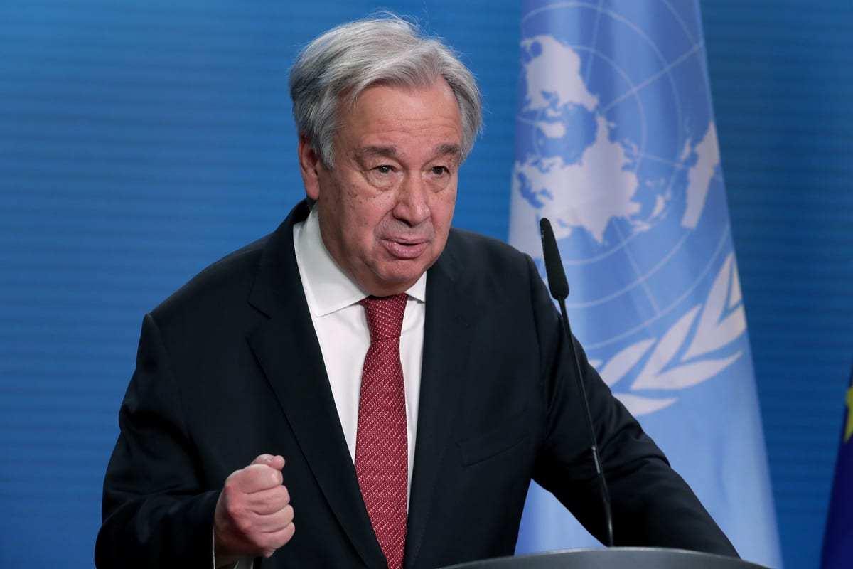 O Secretário-Geral da ONU, Antonio Guterres, em Berlim, Alemanha, em 17 de dezembro de 2020. [AP Photo/Michael Sohn/Pool /Anadolu Agency]