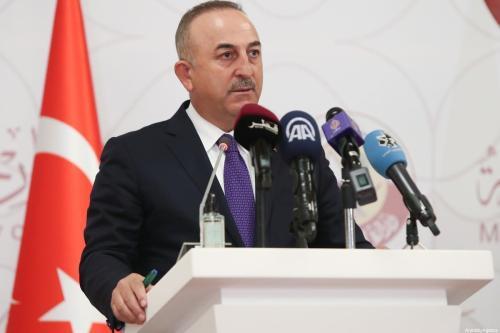 Ministro de Relações Exteriores da Turquia Mevlut Cavusoglu em Doha, Catar, 11 de março de 2021 [Cem Özdel/Agência Anadolu]