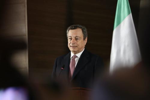O primeiro-ministro da Itália, Mario Draghi, em Trípoli, Líbia, em 6 de abril de 2021 [Hazem Turkia/Agência Anadolu]