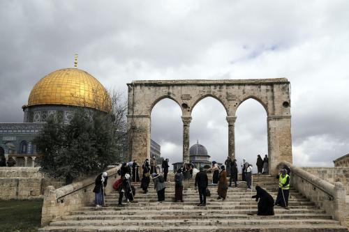 Complexo da Mesquita de Al-Aqsa em Jerusalém, 10 de abril de 2021 [Mostafa Alkharouf/Agência Anadolu]