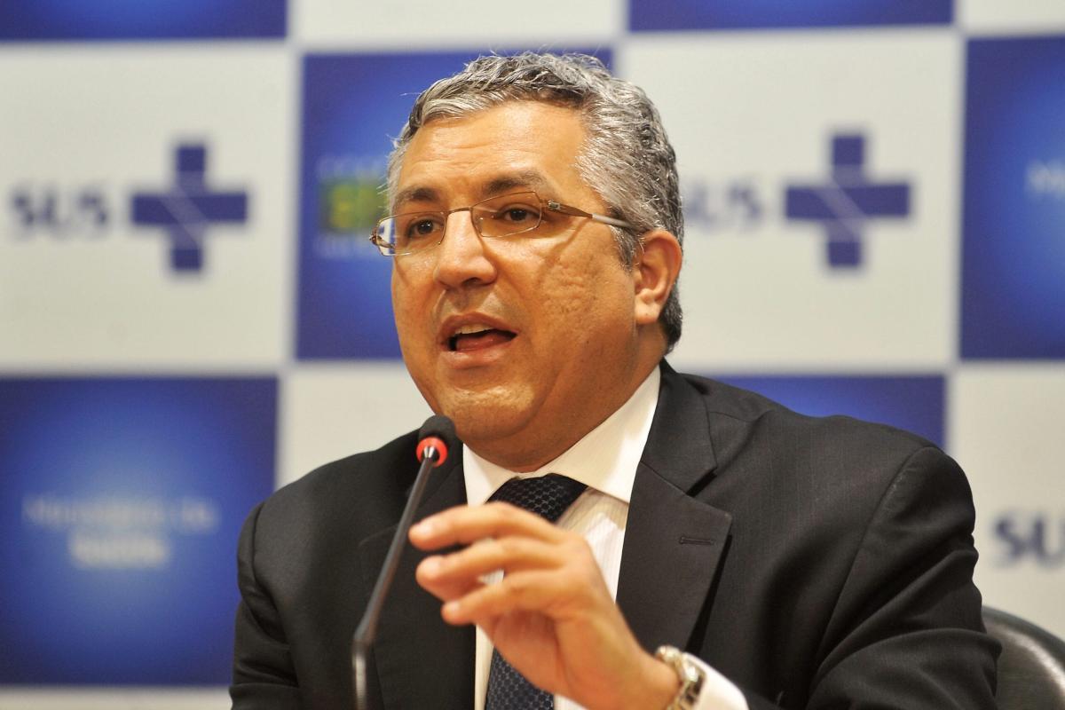 Alexandre Padilha foi ministro das Relações Institucionais no Governo Lula e ministro da Saúde no Governo Dilma Rousseff. Em 10 April 2012,[Elza Fiúza/ABr]