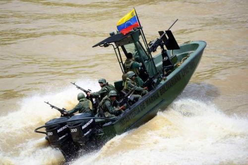Patrulha da marinha bolivariana no estado de Apure, em 20 de abril de 2021 [divulgação/Twitter]