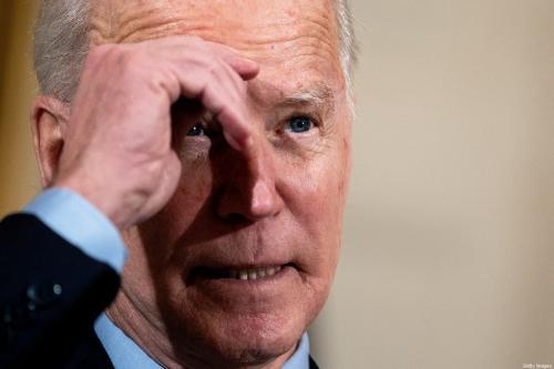 O presidente dos EUA, Joe Biden, faz comentários sobre a economia nacional e a necessidade da legislação de alívio do coronavírus, em 5 de fevereiro de 2021, em Washington, DC [Stefani Reynolds-Pool/Getty Images]