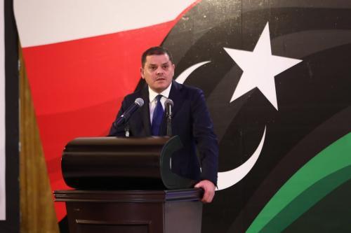 O primeiro-ministro da Líbia, Abdul Hamid Dbeibeh, fala sobre o último estado dos esforços de formação do governo durante uma coletiva de imprensa em Trípoli, Líbia, em 25 de fevereiro de 2021. [Hazem Turkia - Agência Anadolu]
